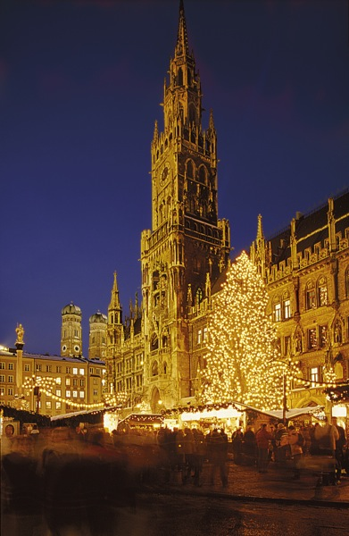 Christmas market in Munich Marienplatz